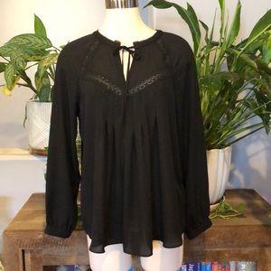 Heartloom Black Lace Detail Top•szM•NWOT